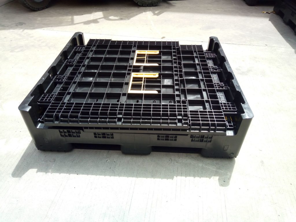 stackable pallet containers